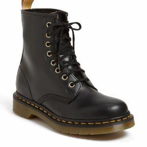 Dr Martens vegan 1460 Boot unisex Us 6 women